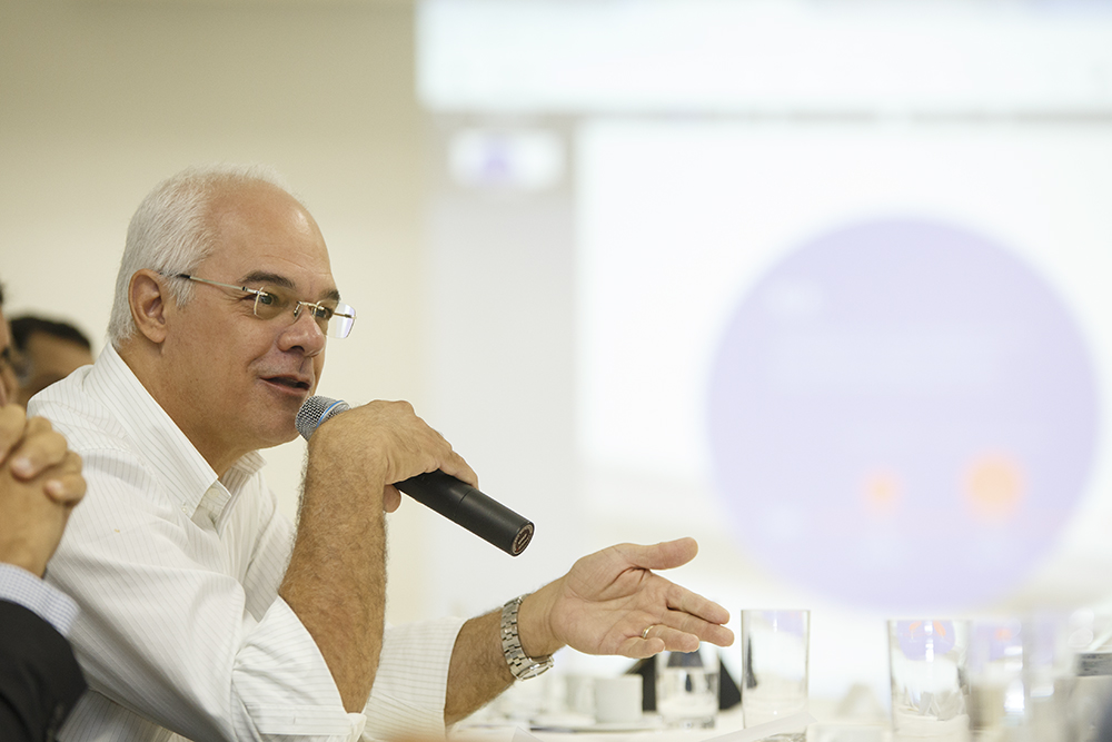 "Entrevista | Juliano César: ""Governo Federal asfixia economia e não dá sinais de como voltar a ter investimentos"""